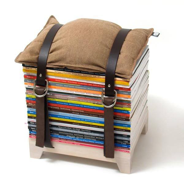 hockenheimer sitzhocker zur aufbewahrung von magazinen und zeitungen von njustudio. Black Bedroom Furniture Sets. Home Design Ideas